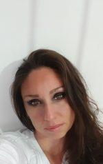 Luna italian makeup